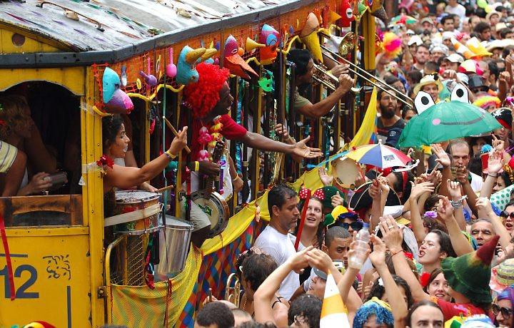 Sobre marchinhas de Carnaval e falta de modos
