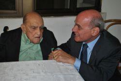 Oscar Niemeyer completa 104 anos