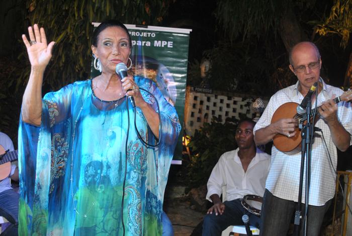 Ellen de Lima ganha festa na Urca