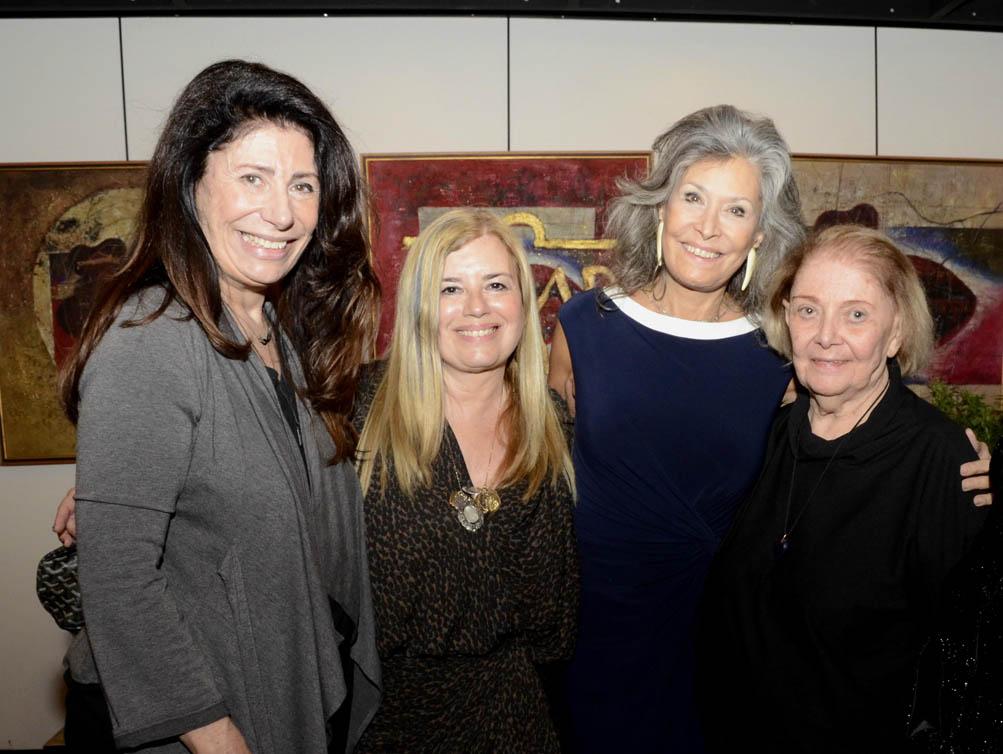 Christina Oiticica recebe convidados em lançamento de exposição
