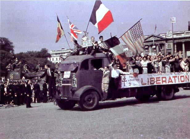 Há 68 anos: Paris liberada e a restauração da República Francesa