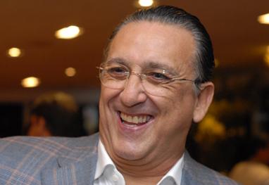 Galvão Bueno ganha primeiro netinho