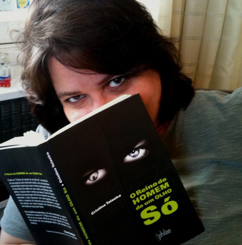 Cristina Teixeira lança romance depois de 13 anos em Londres