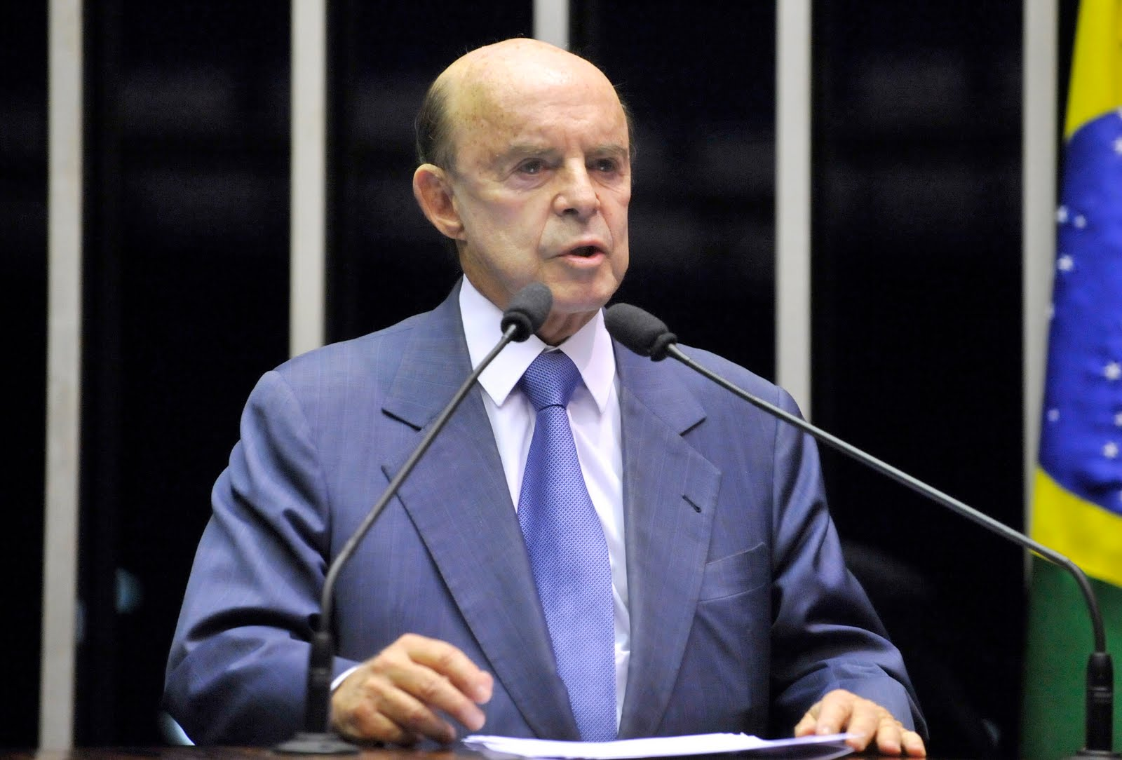 Dornelles fala em defesa do Rio na Associação Comercial