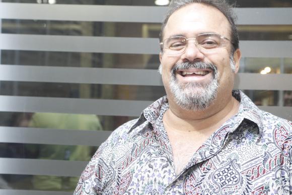Globo entrevista ator da Record no 'Vídeo Show'