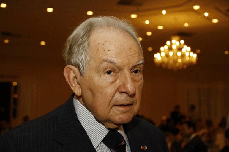 Senado homenageia Bernardo Cabral