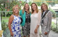 Sumaya Neves faz festa no Iate Clube