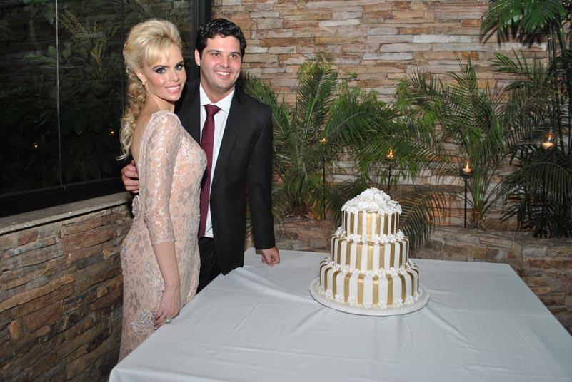 Bernardo Braz Mansur e Bruna Varella casam no Jardim Botânico
