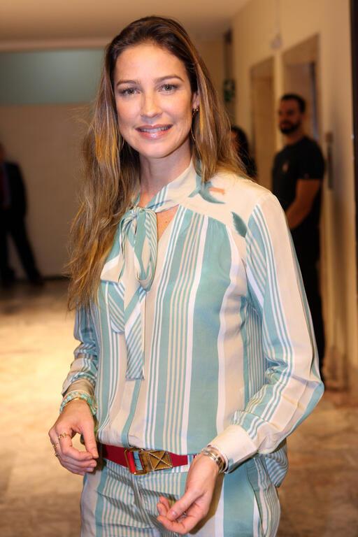Luana Piovani vive personagem de Woody Allen no teatro
