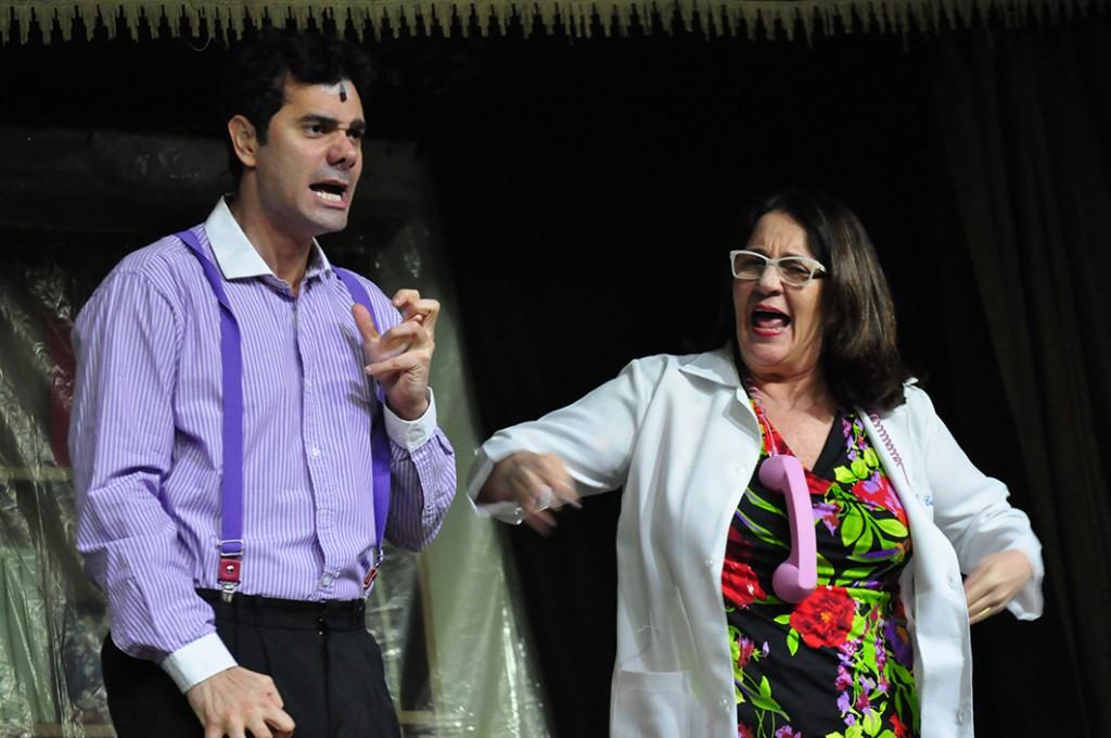 Rosane Gofman divide palco com filho no Festan