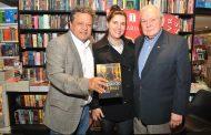 Bernardo Cabral reúne amigos em lançamento de livro