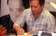 Leonardo lança livro na Barra
