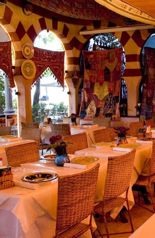 Arab_Restaurante_Ambiente 1