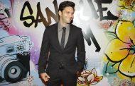 Armando Babaioff vira DJ em evento no CCBB
