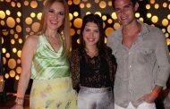 Jonatas Faro se diverte em nightclub de casino