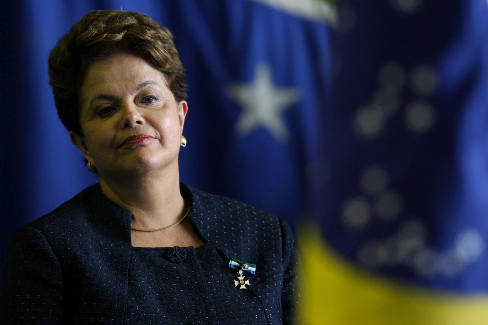 Dilma agora só viaja com seu guarda-roupa