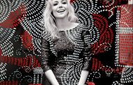Madura, Luiza canta o amor e o tempo em disco no tempo da delicadeza pop