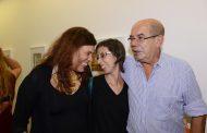 Cores por todos os lados no vernissage de Sandra Antunes Ramos