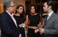 Ricardo Rique e Manoel Calmon recebem convidados em coquetel
