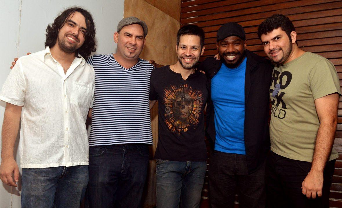 Nando Monteiro lança videoclipe com show no Leblon