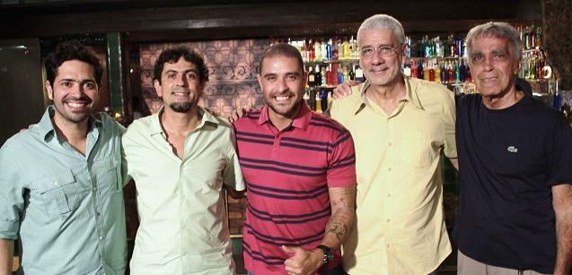 """Diogo Nogueira recebe """"Os Cariocas"""""""