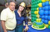 Joana Teixeira comemora aniversário com feijoada