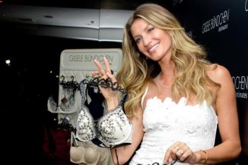b45b0736f Gisele Bündchen lança coleção de verão da sua marca de lingerie ...