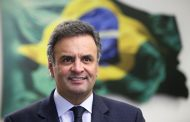 Por que  Aécio Neves ?