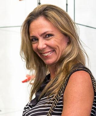 Marcia Verissimo comanda vip list do almoço da Sara Joias