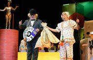 'Chacrinha, o musical' encerra temporada no Rio