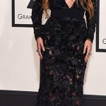 Beyoncé no longo preto em renda transparente de Proenza Shouler