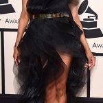 Ciara usou um vestido preto de Alexandre Vauthier, com efeito de camadas
