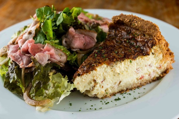 Empório Jardim_Prato do dia Light - Quiche napolitana sem glúten com salada de rosbife_Tomas Rangel (2)