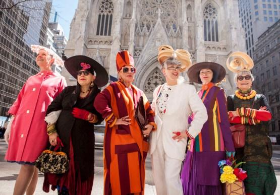 Parada de Páscoa em Nova York traz chapéus criativos à Quinta Avenida