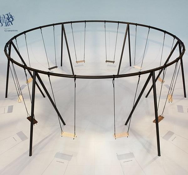 diferentes texturas e estrutura circular na instalação movements. foto de Vicky Lam