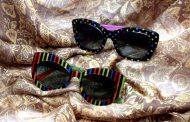 Os óculos de Bia Vasconcellos se diferenciam pela audácia autoral. A nova coleção reinventa o jogo gráfico