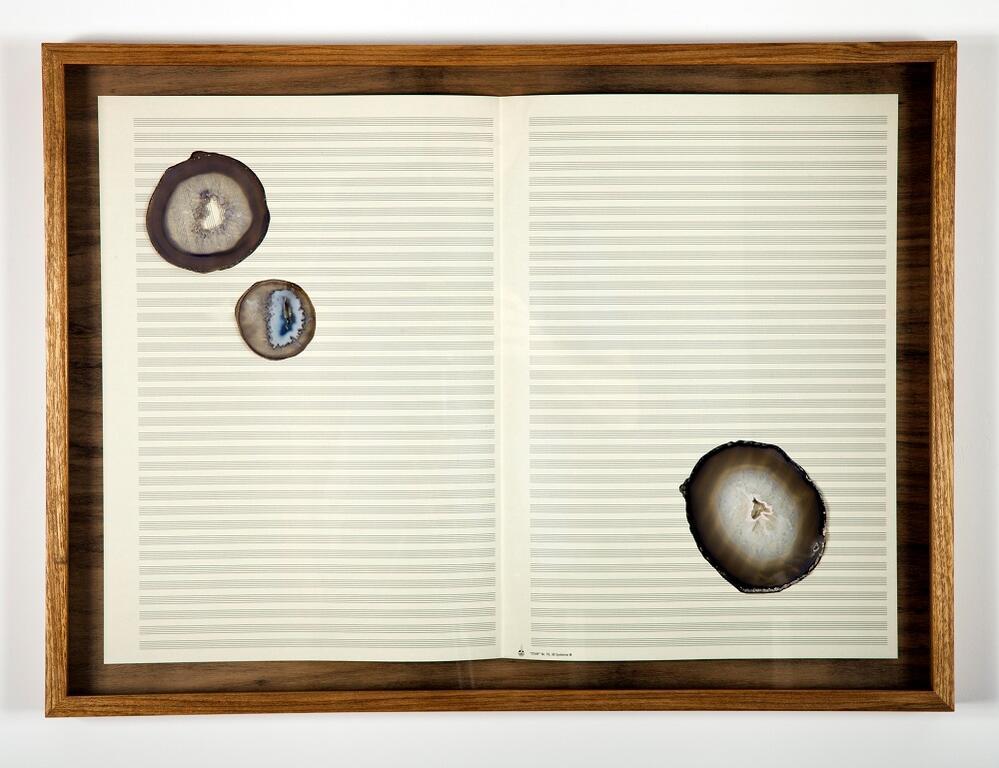 Arte na cabeça. Chiara Banfi e Jorge Espírito Santo inauguram mostras. E Chicô Gouvêa estreia design em papel