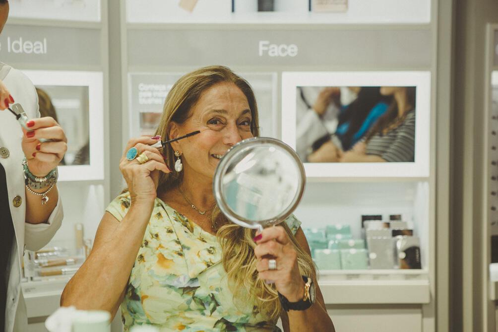Susana Vieira prestigia evento no Leblon