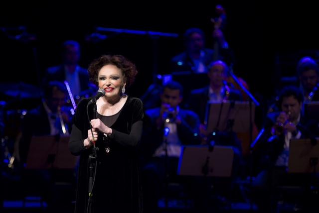 Bibi Ferreira leva show 'Sinatra' a Nova York
