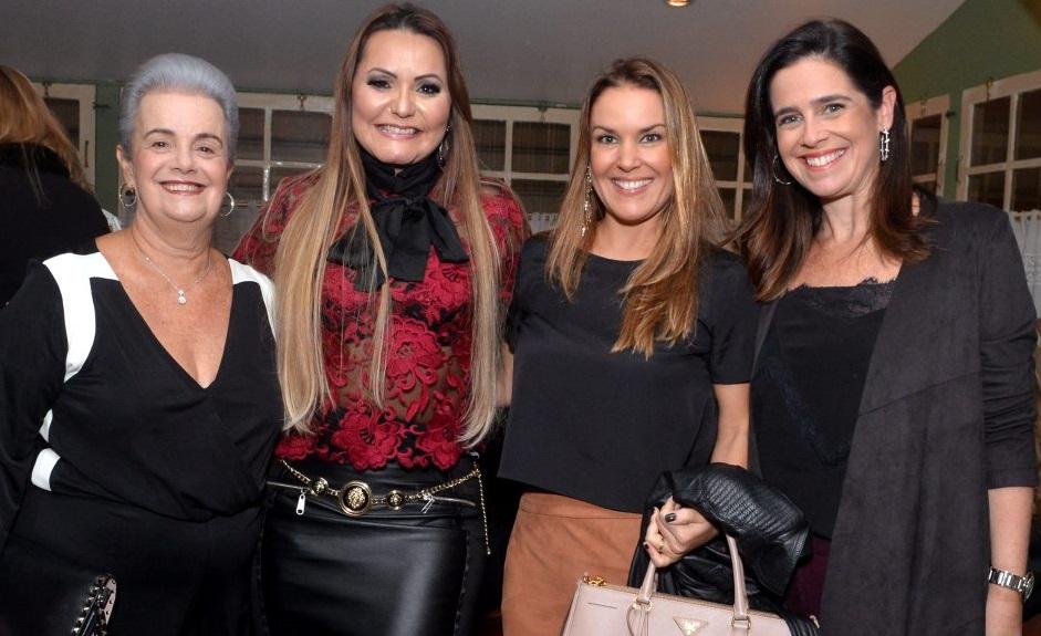 Gabriela Cavalcanti comemora aniversário no Leblon