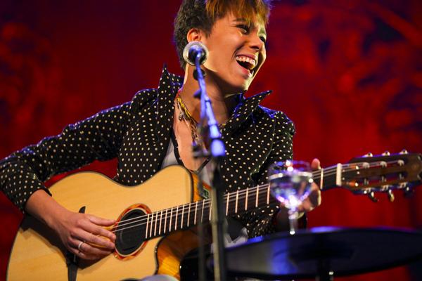 Maria Gadú se apresenta no Festival de Montreux