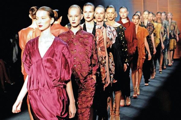 A passarela da moda está fazendo falta