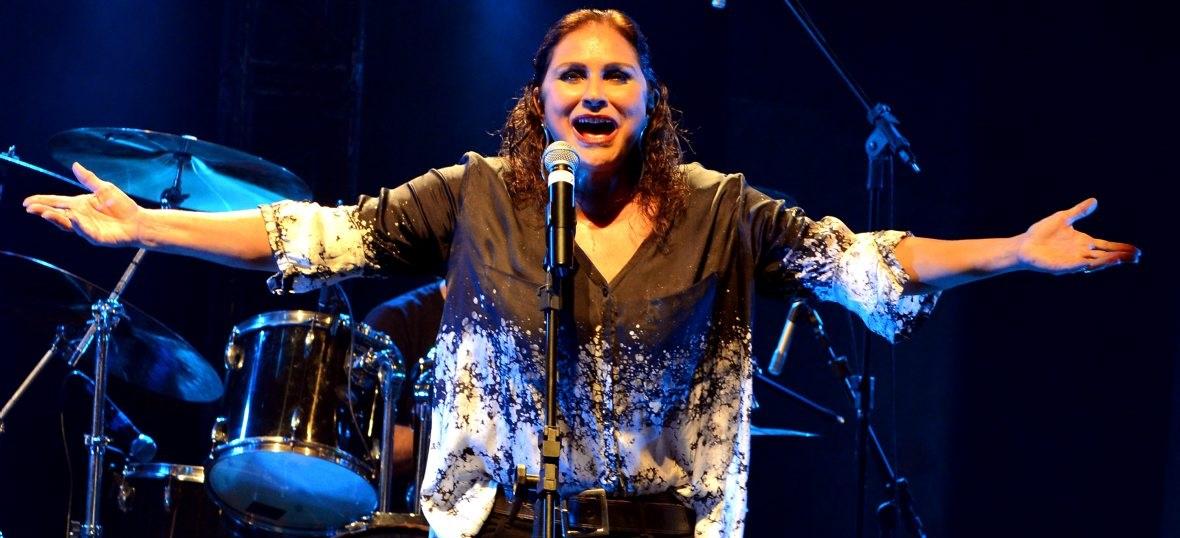 Fafá de Belém leva sua versão rock n' roll para a Cidade das Artes