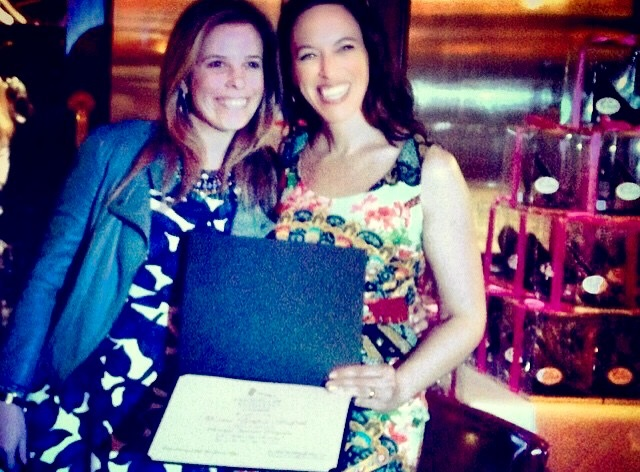 Advogada brasileira recebe diploma da Fordham em 'Fashion Law'