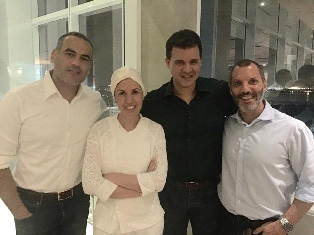 Chef Morena Leite recebe convidados na Barra
