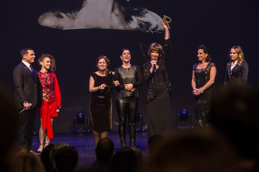 Sem surpresas, Prêmio Reverência homenageia Marília Pêra e consagra favoritos