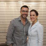 O maquiador Fernando Torquatto e a dermatologista Paula Bellotti