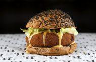 B, de Burger celebra 1 ano com receitas exclusivas