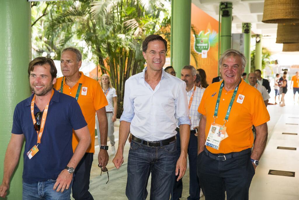 Premier holandês visita a Holland House