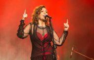 Vânia Bastos volta a cantar Caetano em turnê paulista